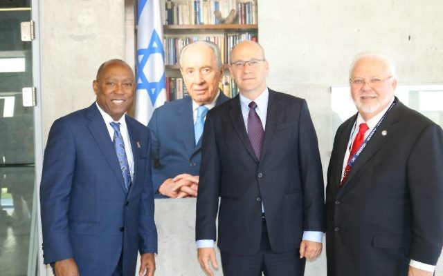 Houston Mayor Sylvester Turner, left, Nadav Tamir and Michael Kubosh at the Peres Center for Peace and Innovation, June 11, 2017 (Courtesy)