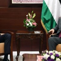 US presidential adviser Jared Kushner meets with Palestinian Authority President Mahmoud Abbas in Ramallah on June 21, 2017 (PA press office)