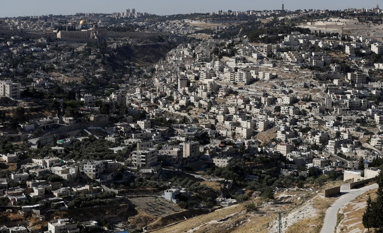 A general view of neighborhoods in Palestinian-dominated East Jerusalem, close to the historic Old City, May 31, 2017. (AFP PHOTO / AHMAD GHARABLI)