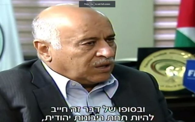 Jibril Rajoub tells Channel 2 that the Western Wall must be under 'Jewish sovereignty', June 3, 2017 (Channel 2 screenshot)