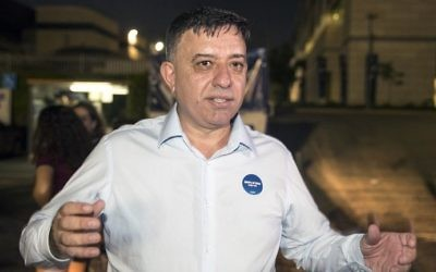 Avi Gabbay talks to journalists in Tel Aviv prior to the announcement of the results of the Labor party primary, on July 10, 2017. (AFP Photo/Jack Guez)