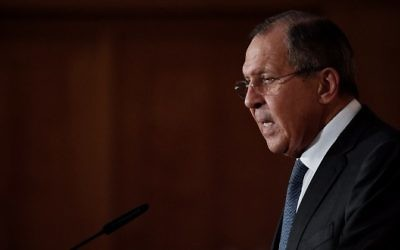 "Russian Foreign Affairs Minister Sergey Lavrov makes a speech at the foreign ministry during an event marking the end of the ""German-Russian Youth exchange Year"" in Berlin, July 13, 2017. (AFP/John MACDOUGALL)"