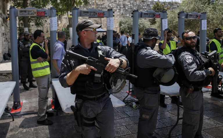 Jew Detector: Amid Tensions, Scuffles Break Out At Temple Mount Entrance