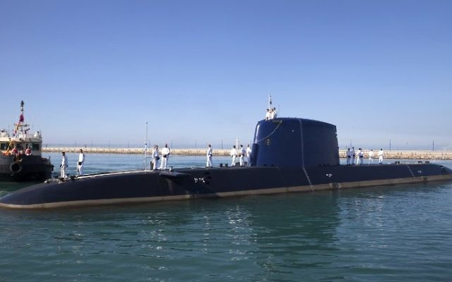 This file photo taken on January 12, 2016, shows the German-made INS Rahav Dolphin 2-class submarine arriving at the military port of Haifa on January 12, 2016. (AFP Photo/Jack Guez)