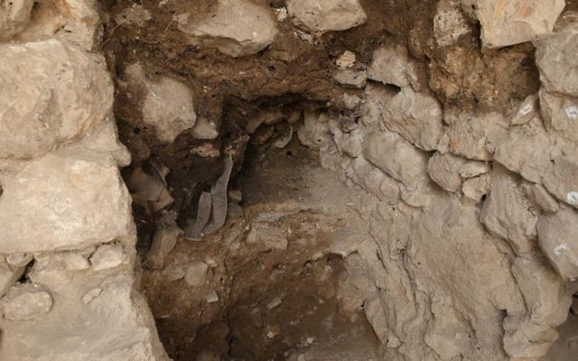 The structure in which shattered jugs were found during the summer 2017 Israel Antiquities Authority dig, attesting to the destruction. (Eliyahu Yanai, Courtesy of the City of David Archive)