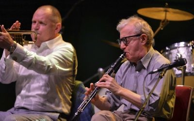 Woody Allen performs with his New Orleans Jazz Band at the Royal Albert Hall, in London,  July 2, 2017. (Photo by Mark Allan/Invision/AP)