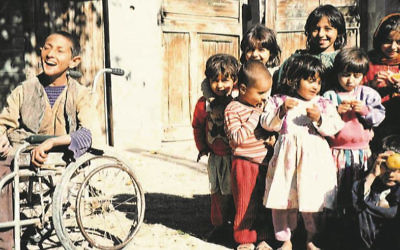Children of al-Qaeda members in Tora Bora, 1996. (Abdel Bari Atwan/Courtesy)