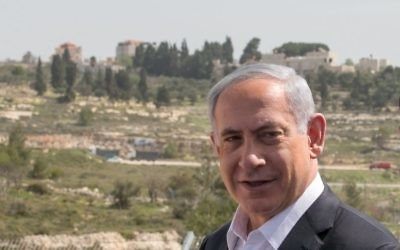 Prime Minister Benjamin Netanyahu on a visit to IDF headquarters in the West Bank, March 10, 2015. (Ohad Zwigenberg/POOL)