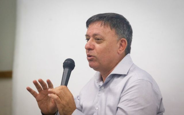 Candidate for leader of the Labor party and former environment minister Avi Gabbay seen at a conference at the College of Management, June 2, 2016. (FLASH90)