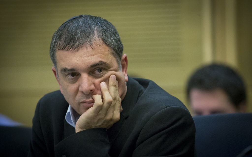 Communications Ministry Director-General Shlomo Filber at a Knesset committee meeting on July 24, 2016. (Yonatan Sindel/Flash90)