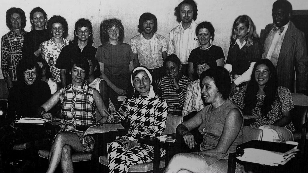 Heather Booth training women in 1973 at the Midwest Academy. (Courtesy)