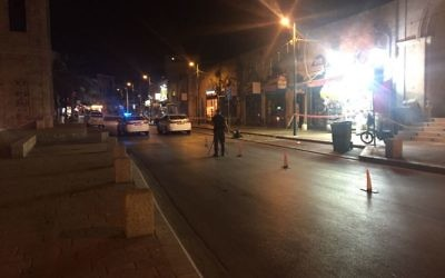 Police at the scene of a stabbing in Jaffa, July 27, 2017. (Israel Police spokesperson)