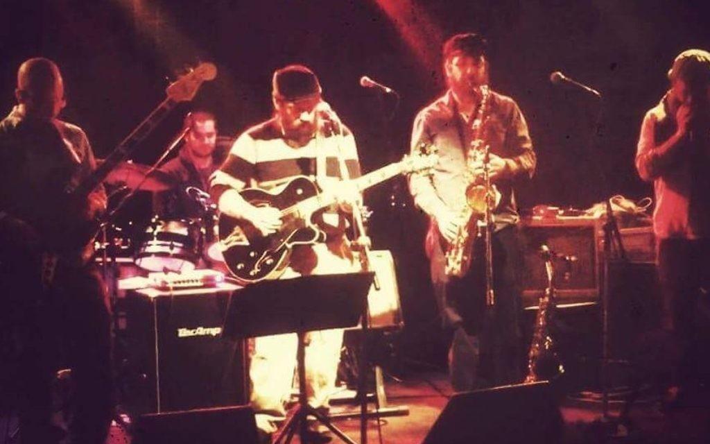 Chillent live onstage. (Courtesy Sruli Broocker)