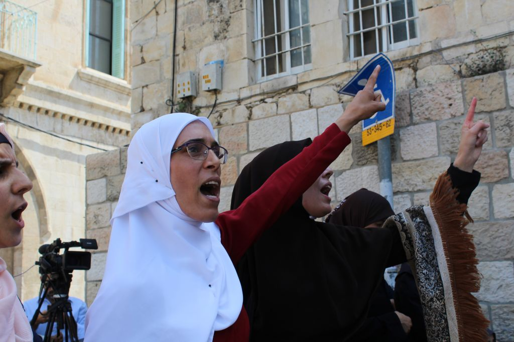 Muslims Maintain Temple Mount Boycott After Detectors