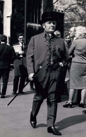 Labour MP Leo Abse's flamboyant attire for Britain's Budget Day, 1965. (Keystone Pictures USA / Alamy Stock Photo)
