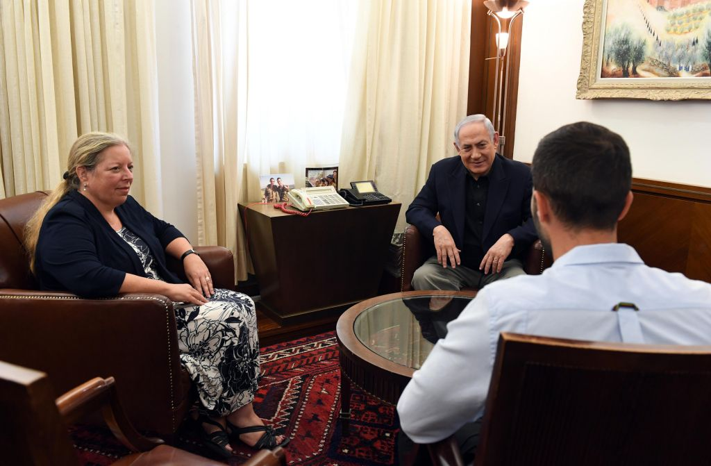Prime Minister Benjamin Netanyahu on July 25, 2017 meets with Israeli Ambassador to Jordan Einat Schlein and security guard 'Ziv,' who shot dead two Jordanians as he was being stabbed by one of them. (Haim Zach/GPO)
