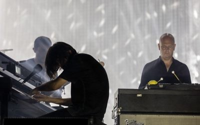 Radiohead performs in Tel Aviv's Hayarkon Park on July 19, 2017. (Courtesy)