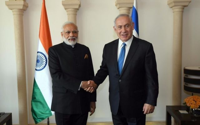 Indian Prime Minister Narendra Modi (L) shakes hands with Prime Minister Benjamin Netanyahu in Jerusalem on July 5, 2017. (Raphael Ahren/Times of Israel)