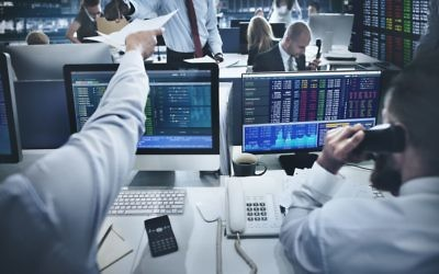 Illustrative image of a trading room floor. (Rawpixel, iStock Images)