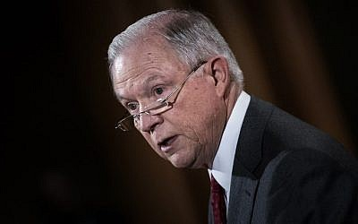 US Attorney General Jeff Sessions speaks at the Department of Justice during an announcement about leaking of classified information on August 4, 2017. (AFP Photo/Brendan Smialowski)