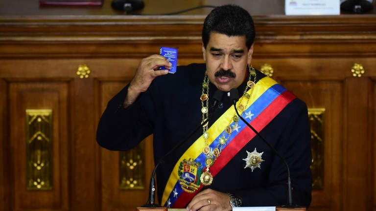 Venezuelan President Nicolas Maduro addresses the new constitutional assembly that replaced the parliament and is tasked with rewriting the constitution, in Caracas on August 10, 2017. (AFP Photo/Ronaldo Schemidt)