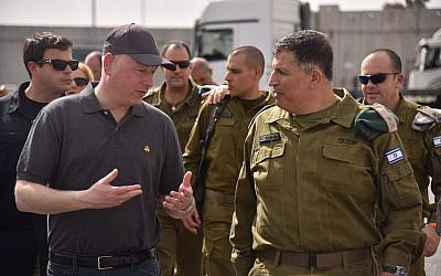 US President Donald Trump's peace envoy Jason Greenblatt (L) tours the area around the Gaza Strip with Coordinator for Government Activities in the Territories Yoav 'Poly' Mordechai on August 30, 2017. (COGAT Spokesperson's Office)