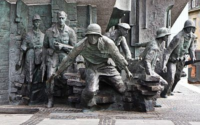 Monument to the Warsaw Uprising (CC BY David Kindler, Flickr)