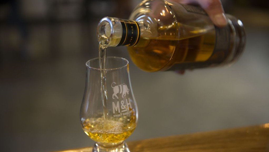 Milk and Honey Experimental Cask 2, Lightly Peated (46%)