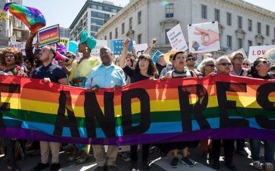 Demonstrators gather at Peace, Love and Understanding gathering at San Francisco Civic Center on August 26, 2017 in San Francisco, California.  (Miikka Skaffari/FilmMagic)