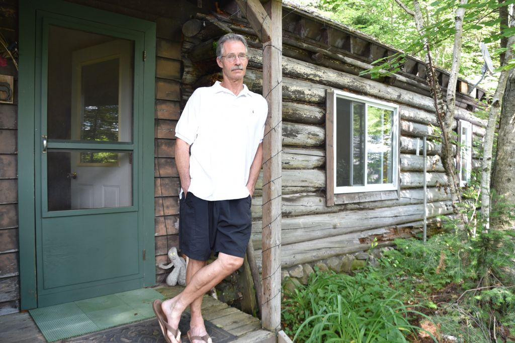 Master mezuzah maker Ric von Neumann outside the Ontario cabin that houses his workshop. (Courtesy/Libby von Neumann)