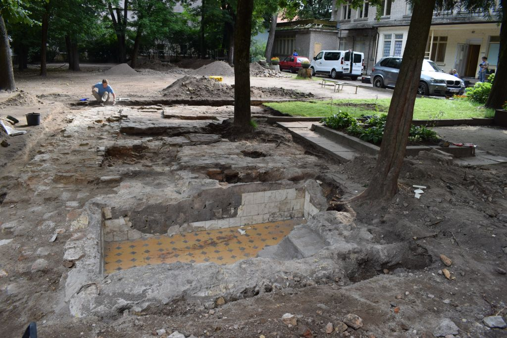 The ritual baths of the Great Synagogue of Vilnius, excavated by a team of Israeli, American and Lithuanian archaeologists, summer 2017. (John Seligman/IAA)