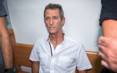 Israeli tycoon Beny Steinmetz seen at the Rishon Lezion Magistrate's Court, August 14, 2017. (Flash90)