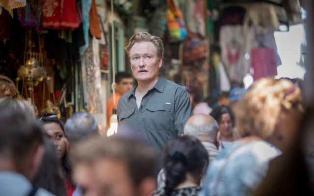 "American television host, comedian and producer Conan O'Brien visits at the Old City of Jerusalem on August 28, 2017. to film an episode of his travel series ""Conan Without Borders."" (Yonatan Sindel/Flash90)"