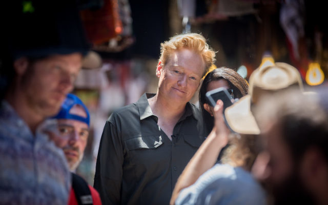 "American television host, comedian and producer Conan O'Brien visits at the Old City of Jerusalem on August 28, 2017. to film an episode of his travel series ""Conan Without Borders.""(Yonatan Sindel/Flash90)"