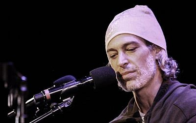 Matisyahu speaking at Le Poisson Rouge in New York City, Jan. 8, 2016. (Amir Norman)