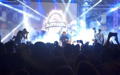 Crowd at the Shepherds Beer Festival in Bethlehem  watches Arab-israeli rapper Tamer Nafar on August 20, 2017. (Luke Tress)