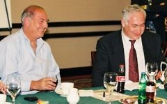 Arthur Finkelstein and Benjamin Netanyahu in March 10, 1999. (Flash 90)