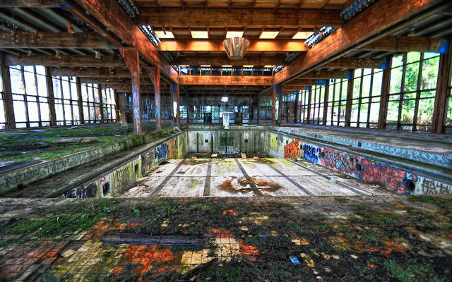 A photo of the former Grossinger's resort in 2013. (Flickr Commons via JTA)