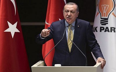 Turkish President Recep Tayyip Erdogan gives a speech during a meeting of the ruling Justice and Development Party provincial heads at the AKP headquarters in Ankara on September 6, 2017. (AFP Photo/Adem Altan)