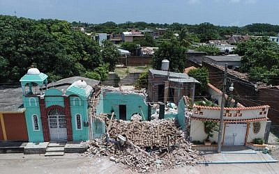 View of damages after the 8.2 magnitude earthquake that hit Mexico's Pacific coast, in Ixtaltepec, state of Oaxaca on September 9, 2017. (AFP/MARIO VAZQUEZ DE LA TORRE)