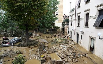 Damages in the Livorno area, flooded after heavy rain, on September 10, 2017. (AFP PHOTO / STR)