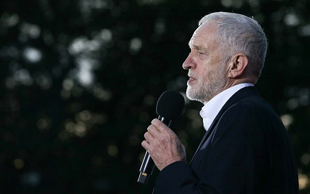 Britain's opposition Labour party's leader Jeremy Corbyn delivers a speech at a rally on the eve of Labour Conference in Brighton, September 23, 2017. (AFP/Daniel LEAL-OLIVAS)
