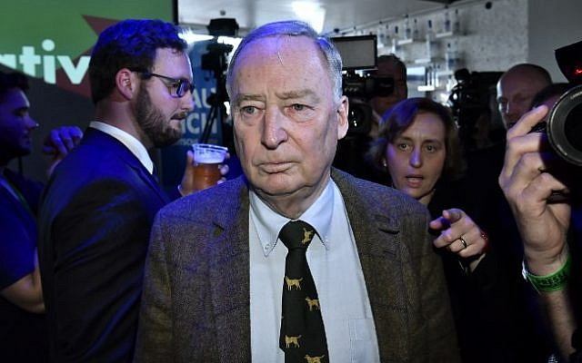 Top candidate of the nationalist Alternative for Germany party Alexander Gauland arrives for an election party in Berlin on September 24, 2017. (AFP Photo/John Macdougall)