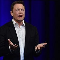 Billionaire entrepreneur and founder of SpaceX Elon Musk speaks at the 68th International Astronautical Congress 2017, in Adelaide, Australia, on September 29, 2017. ( AFP PHOTO / PETER PARKS)