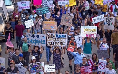 Thousands of immigrants and supporters join the Defend DACA March to oppose the President Trump order to end DACA on September 10, 2017 in Los Angeles, California. (David McNew/Getty Images/AFP)