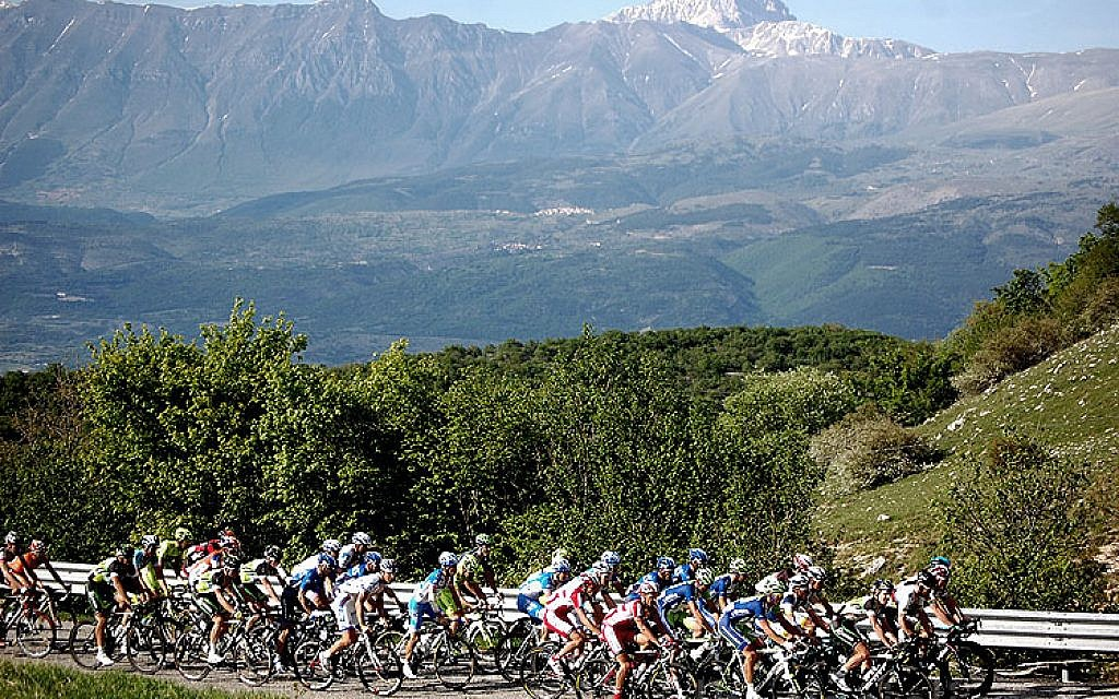 An illustrative photo of the 2012 Giro D'Italia. (CC, BY-SA Wikimedia)