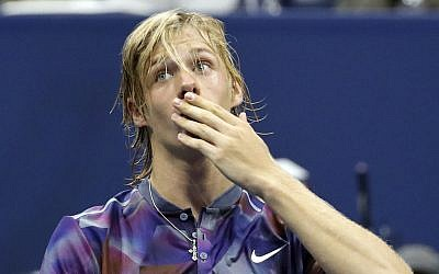 Israel-born Denis Shapovalov, of Canada, salutes the crowd after loosing to Pablo Carreno Busta, of Spain, during the fourth round of the US Open tennis tournament in New York, September 3, 2017. (AP/Julie Jacobson)