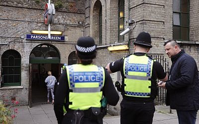 Two days after a terror incident at the location, police guard the entrance to Parsons Green Underground Station in London, September 17, 2017. (AP/Frank Augstein)