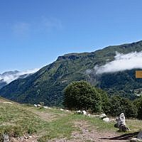 Illustrative: A hiking trail in Spain's Pyrenees mountains. (CC BY-SA 3.0, Myrabella, Wikimedia Commons)
