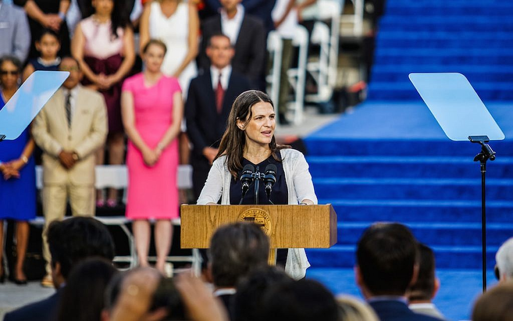 Rabbi Sharon Brous of Ikar, an independent congregation, delivering an invocation at the inauguration of Los Angeles Mayor Eric Garcetti, July 2017. (Courtesy of Ikar)